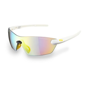 Sunwise Hastings - Photochromic (light reacting) Sports Sunglasses - Snow